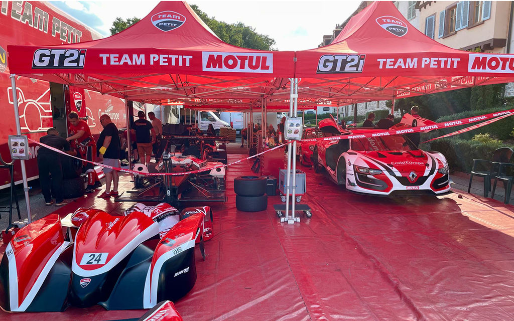 Do you use Motul in the Lola? And what benefit do you notice?